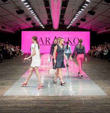 Kobieca delikatność i siła - pokaz mody APIA &Taranko