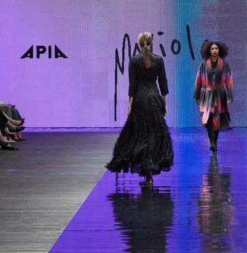 Nieprzeciętna moda - pokaz kolekcji APIA & TUTU polscy projektanci